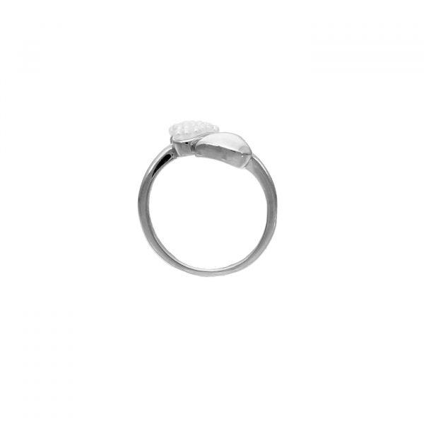 Anello contrarié a cuori in argento e perline