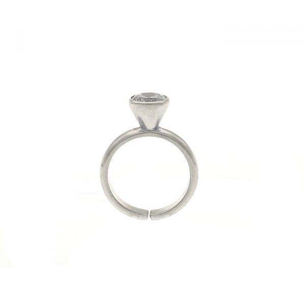 Anello Solitario in argento con zircone